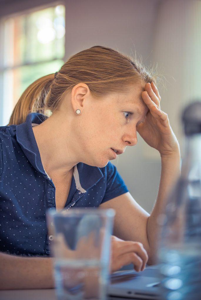 Menopause,Beschwerden Wechseljahre,Hitzewallungen,Hormone,Hormonersatztherapie,Kopfschmerzen,Wechseljahre,letzte Regelblutung,Symptome Menopause,natürliche Hormontherapie,Östrogen,Schweißausbrüche,Symptome Wechseljahre,Wechseljahre Blutungen,Wechseljahre Frauen,Wechseljahre Symptome,Weibliche Hormone,